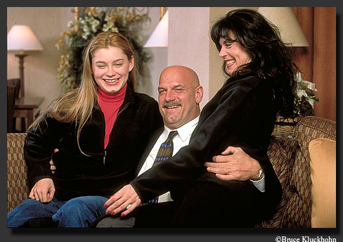 photo of Jesse Ventura with his wife and daughter